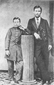 І. Карпенко-Карий і М. Садовський. Фото 1868 р. Херсон.