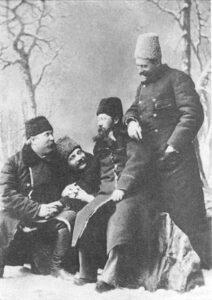 І. Карпенко-Карий, П. Саксаганський, О. Михайлевич та М. Садовський (зліва направо). Фото 1890 р. Єлисаветград.