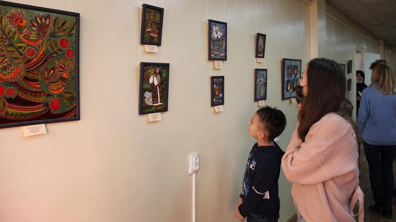 Презентація виставки малярства на склі «Там, де гори й полонини»