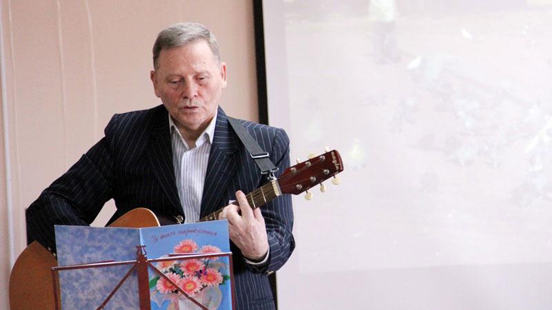 У бібліотеці Чижевського відбувся авторський вечір Михайла Радкевича