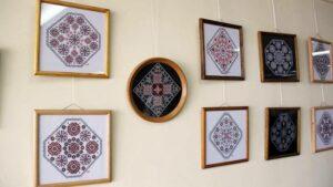 Орнаменти Леоніда Добродняка, або Апроксимація з ниткою та голкою
