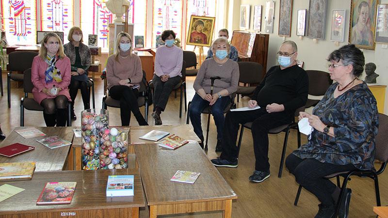 Дослідники української писанки